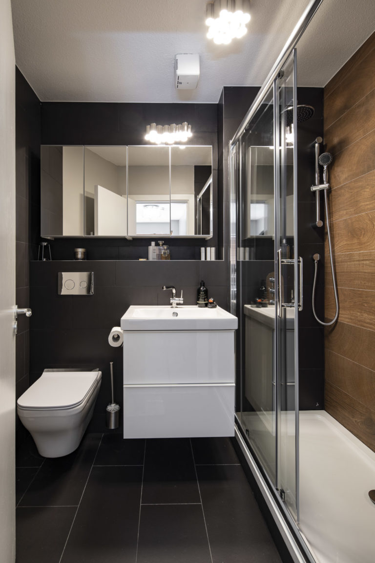 bathroom design in black